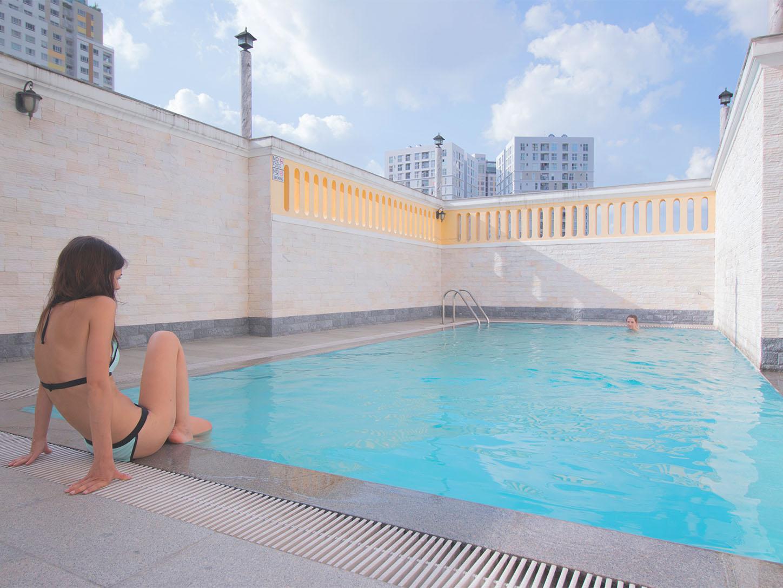 Euro Residence tenants swimming